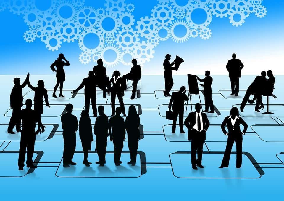 A concept image shows several groups of silhouettes standing together, symbolizing different board leadership styles.